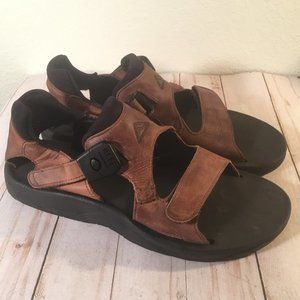 Reef Brown leather velcro strap sandals Unisex